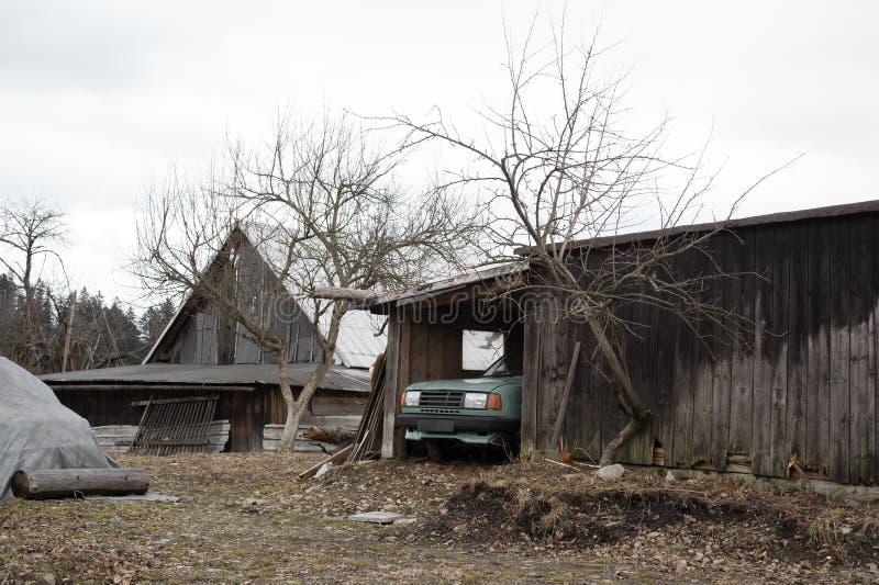 Yarda auténtica en Europa Oriental pobre fotografía de archivo libre de regalías