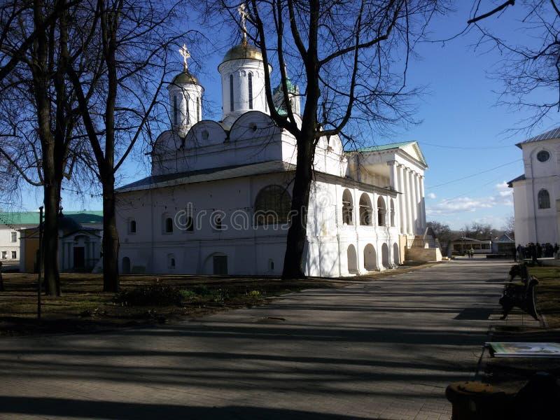 Yaroslavl, R?ssia, a igreja de Elijah o profeta Ilia Prorok em Yaroslavl fotos de stock