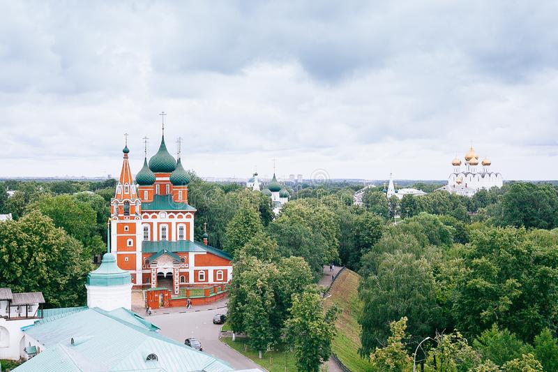 YAROSLAVL, RUSSLAND - 26. JUNI 2015: Yaroslavl ist eine der ältesten russischen Städte, gegründet im Jahrhundert XI Die Museum-Re lizenzfreie stockbilder