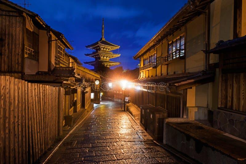Yasakapagode en de oude stad van Japan, Kyoto royalty-vrije stock afbeelding