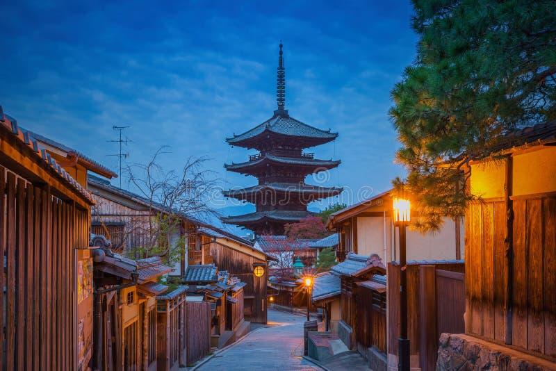 Yasakapagode en de Straat van Sannen Zaka, Gion, Kyoto royalty-vrije stock afbeelding