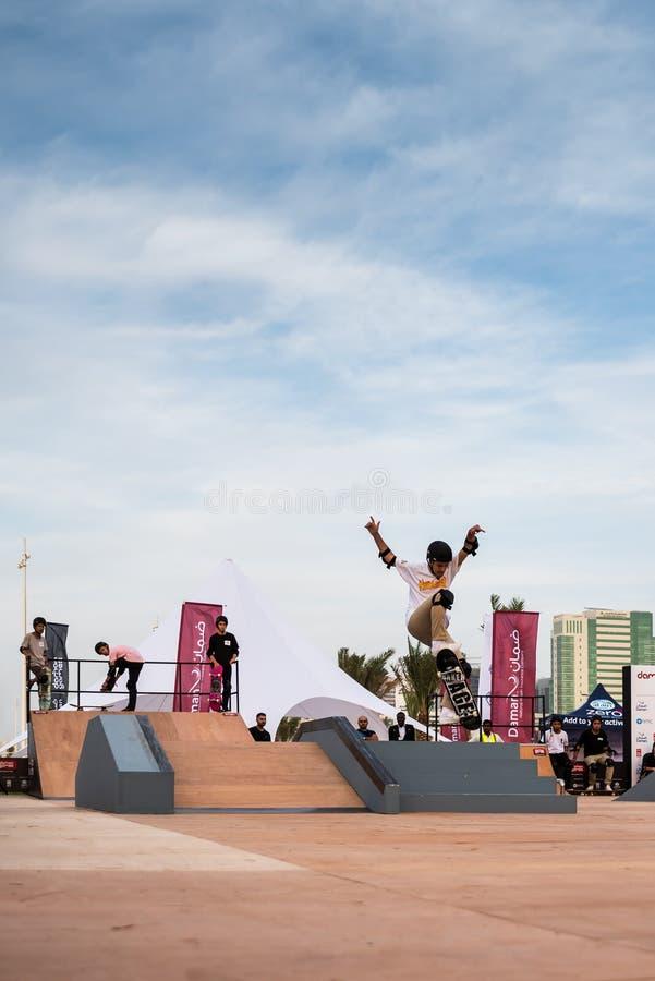 Yasalam Żywy W Całym Mieście, A «l Bahar, Abu Dhabi Corniche/Żyje podniecającego 10-dniowy kalendarz gody zaznaczać fotografia royalty free