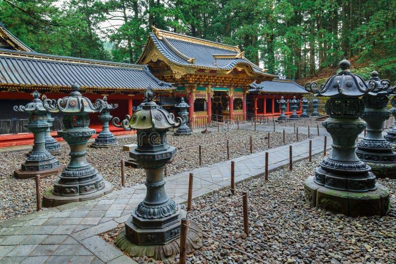 Yashamon port på den Taiyuinbyo relikskrin i Nikko, Japan arkivfoto