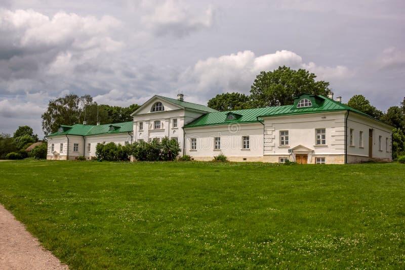 Yasnaya Polyana, Tula, Rusia - junio de 2016 Hogar de Leo Tolstoy imagen de archivo