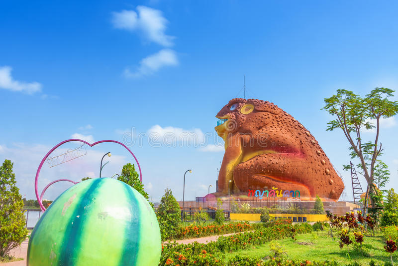 Yasothon, Thailand - Mei 6, 2017: Standbeeld van Phaya Kan Kark The royalty-vrije stock afbeelding