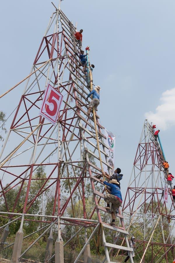 YASOTHORN, THAI-MAY 15 :火箭准备好起飞被做在Fe 库存照片