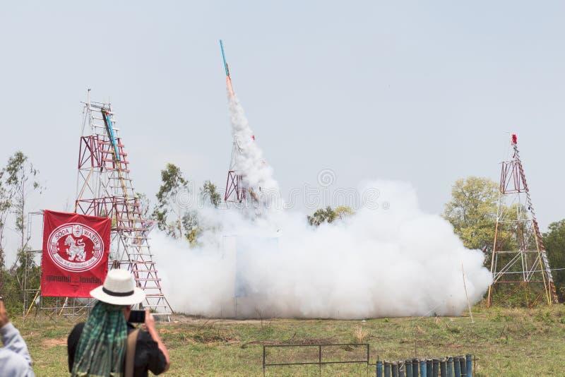 YASOTHORN, THAI-MAY 15 :火箭队是起飞被做在联邦禁令 免版税库存照片