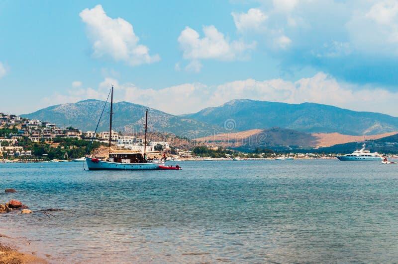 Yate en el Mar Egeo imagenes de archivo