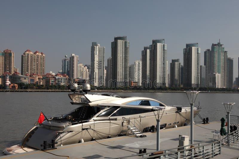 Yate en Shangai imagenes de archivo