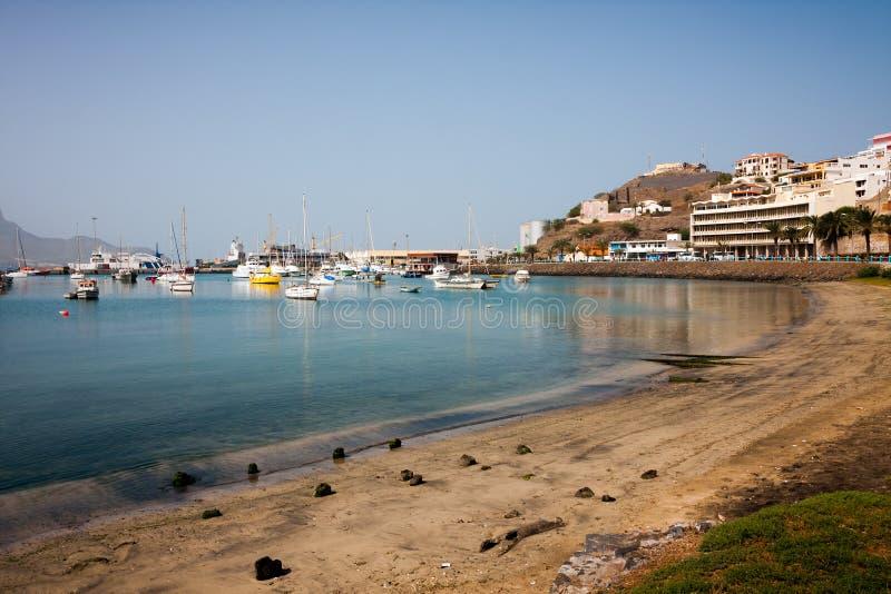 Yates en el puerto deportivo de la isla de Vicente del sao, Mindelo, Cabo Verde fotos de archivo