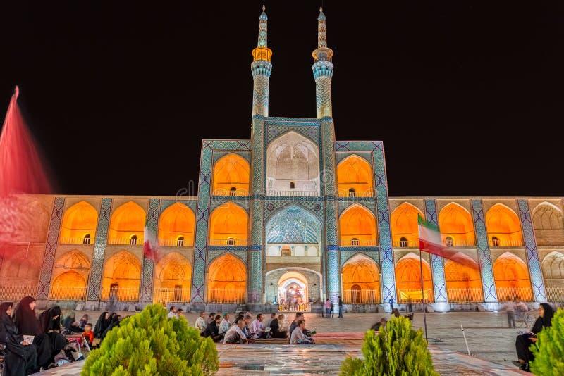 Yazd Amir Chakhmaq Complex vid natt royaltyfri foto