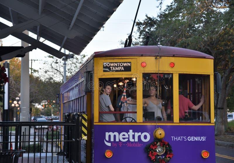Ybor stad Teco Tram mycket med passangers royaltyfria foton