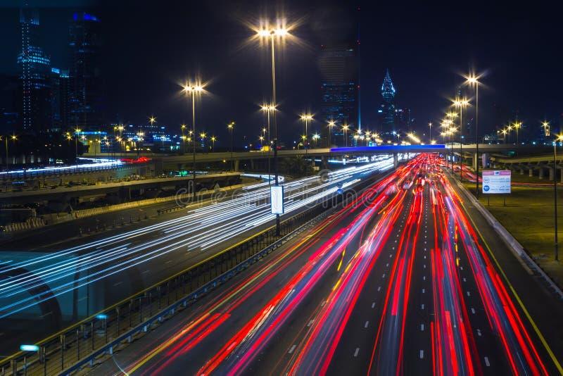 Życie nocne w Dubaj Marina. UAE. Listopad 14, 2012 zdjęcie stock