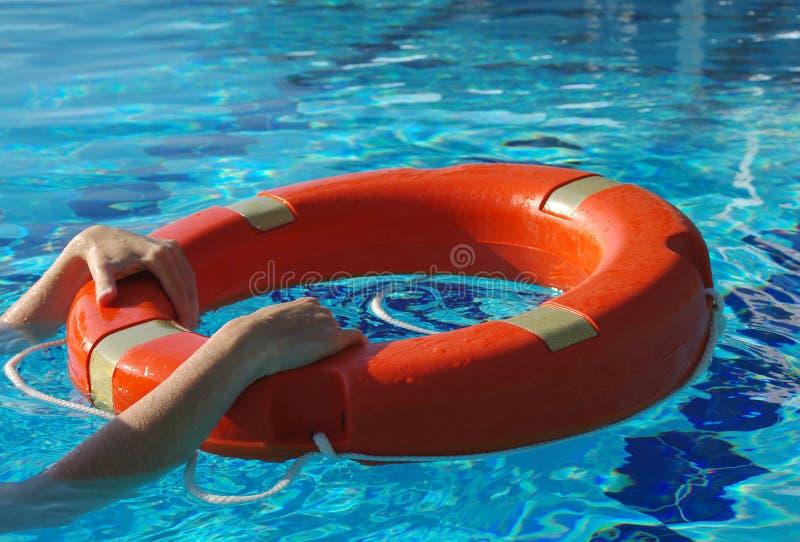 Życie pierścionek na błękitne wody obraz royalty free