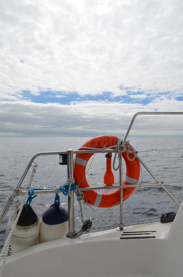 Życie pierścionek na przyjemności łodzi zdjęcie stock