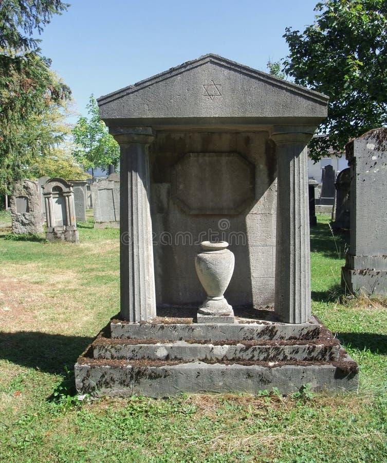 Żydowski cmentarz przy lato czasem obrazy royalty free