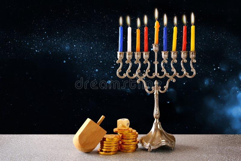Żydowski wakacyjny Hanukkah z menorah zdjęcie stock