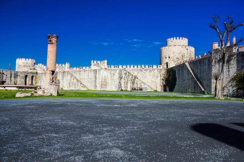 Yedikule Hisarlari (una fortezza) di sette torri Istanbu fotografie stock