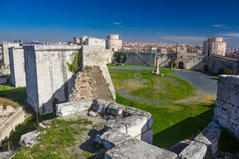 Yedikule Hisarlari (una fortezza) di sette torri Istanbu immagini stock libere da diritti
