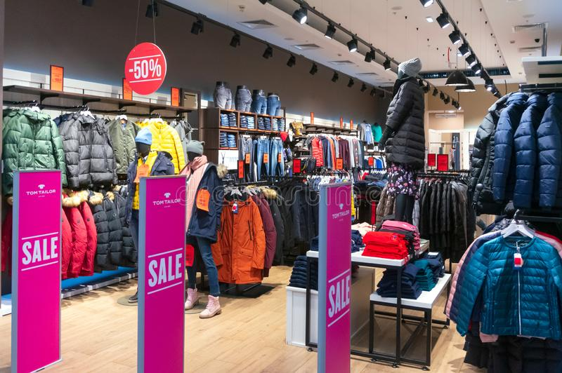 sale usa online on feet shots of hot sales Shopping Center in Hamburg stock photo. Image of display ...