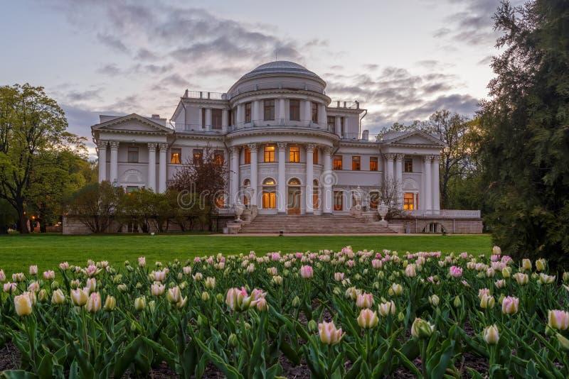 Yelagin宫殿在彼得斯堡,俄国 免版税库存照片