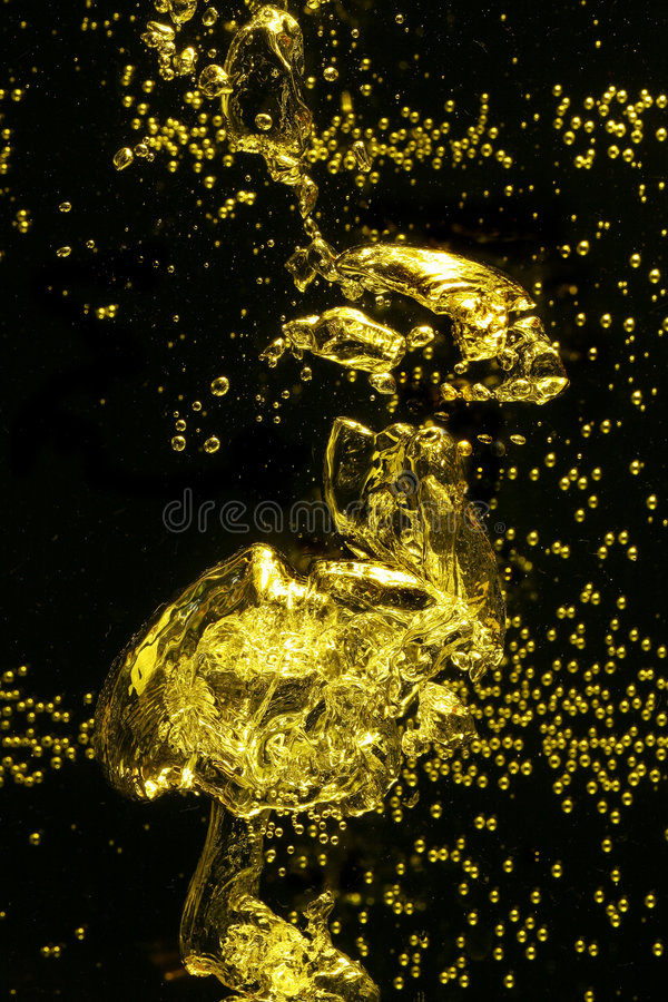 Free Yellow Air Bubbles In Water Stock Photography - 5345762