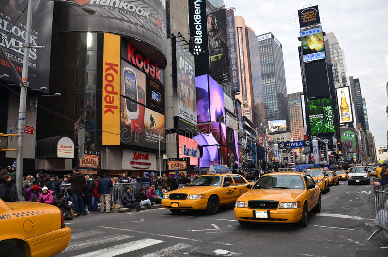 Download Yellow Cabs In Times Square Editorial Photo - Image of crazy, dance: 22725876