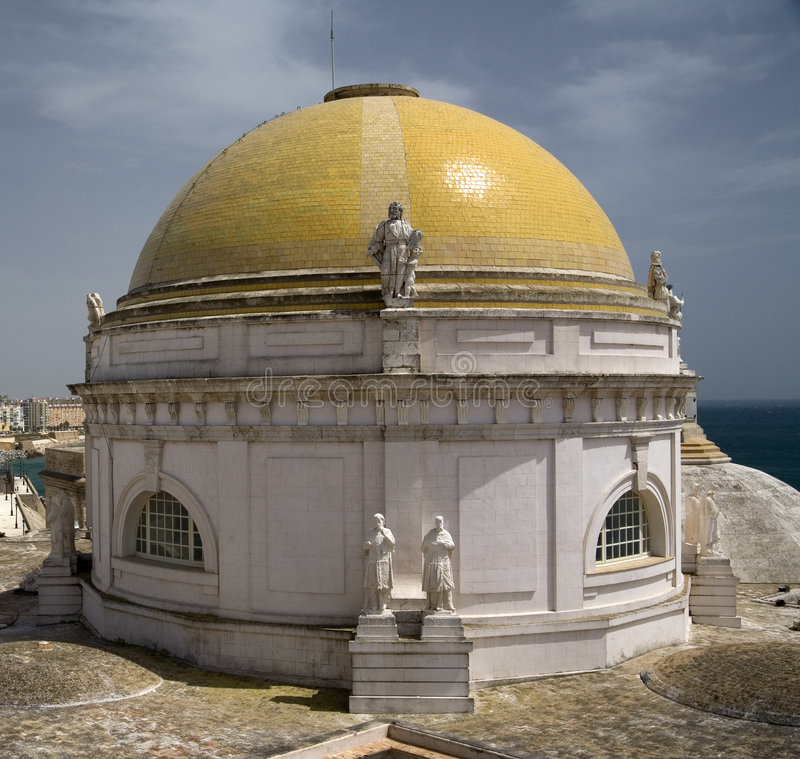 Free Yellow Dome Of Cadiz Cathedral Royalty Free Stock Images - 2728259