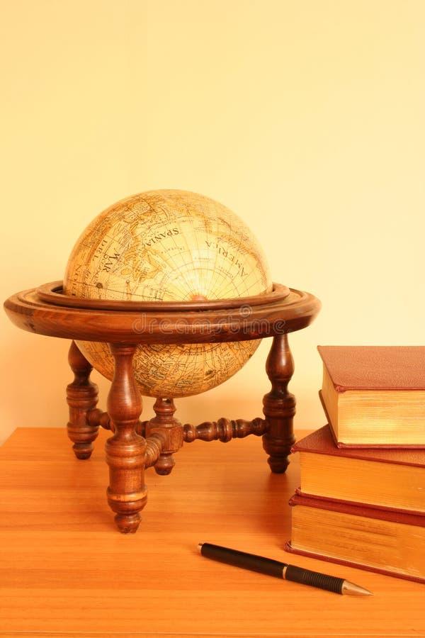 Free Yellow Globe And Books Royalty Free Stock Image - 625556