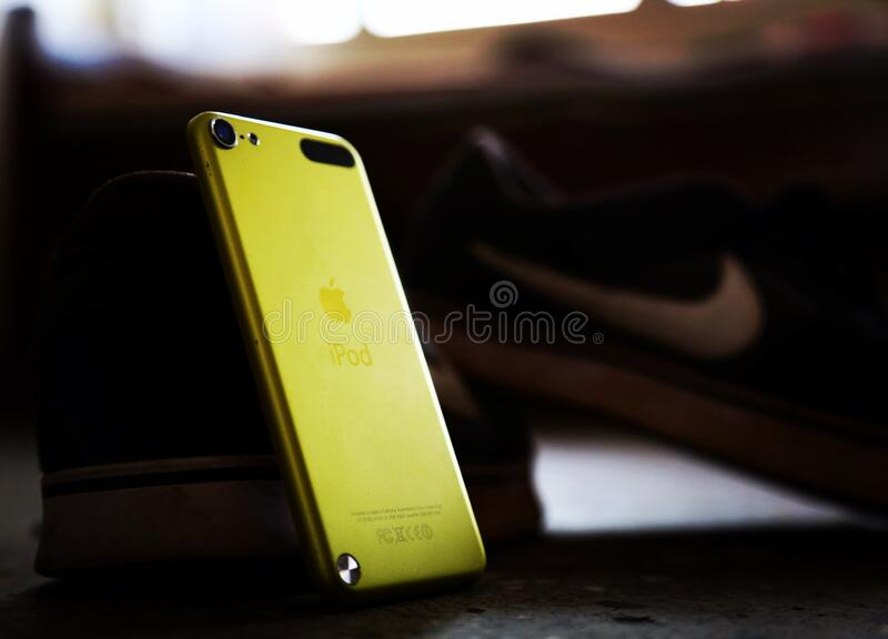 Yellow Ipod Touch Free Public Domain Cc0 Image
