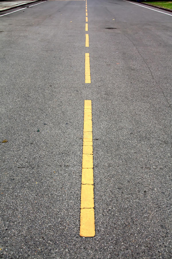 Free Yellow Line Road Royalty Free Stock Images - 26724079