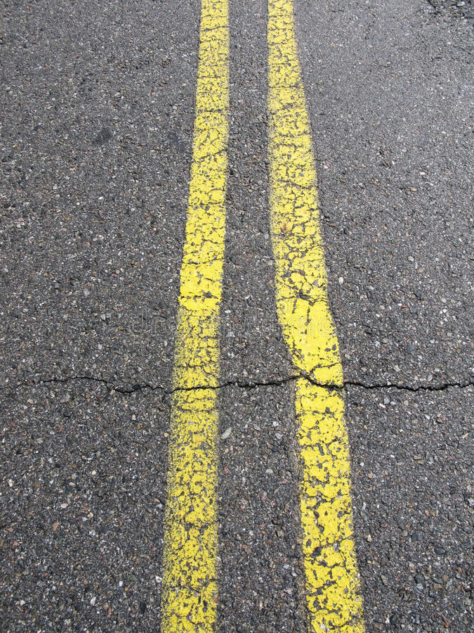 Free Yellow Lines On The Road Stock Photography - 22971372