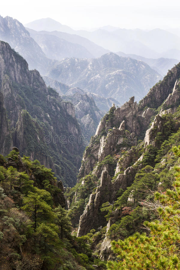 Free Yellow Mountain Valley In China Stock Photo - 27536030