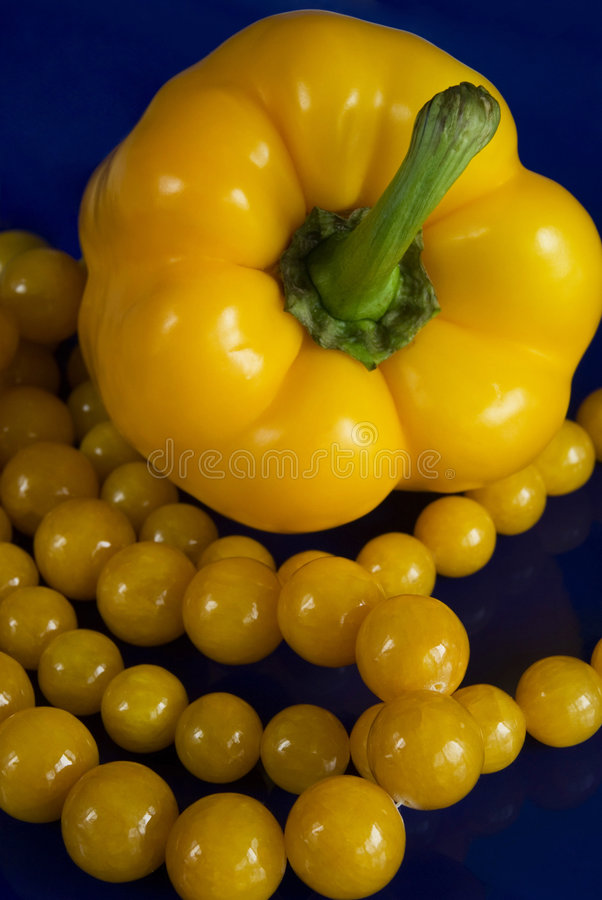 Free Yellow Paprika And Beads Royalty Free Stock Photos - 5683978