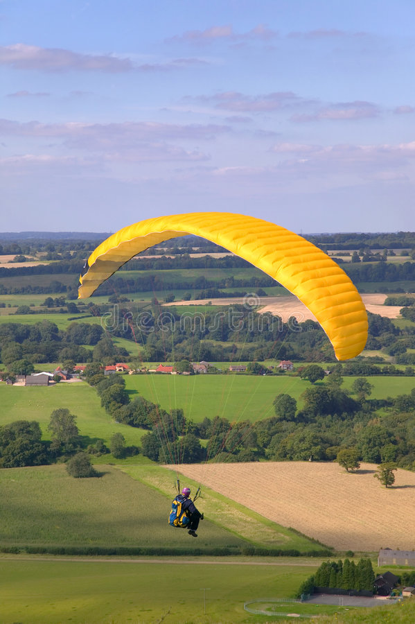 Free Yellow Paraglider Royalty Free Stock Photo - 3038455
