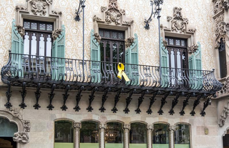 Yellow ribbon in Barcelona royalty free stock photography