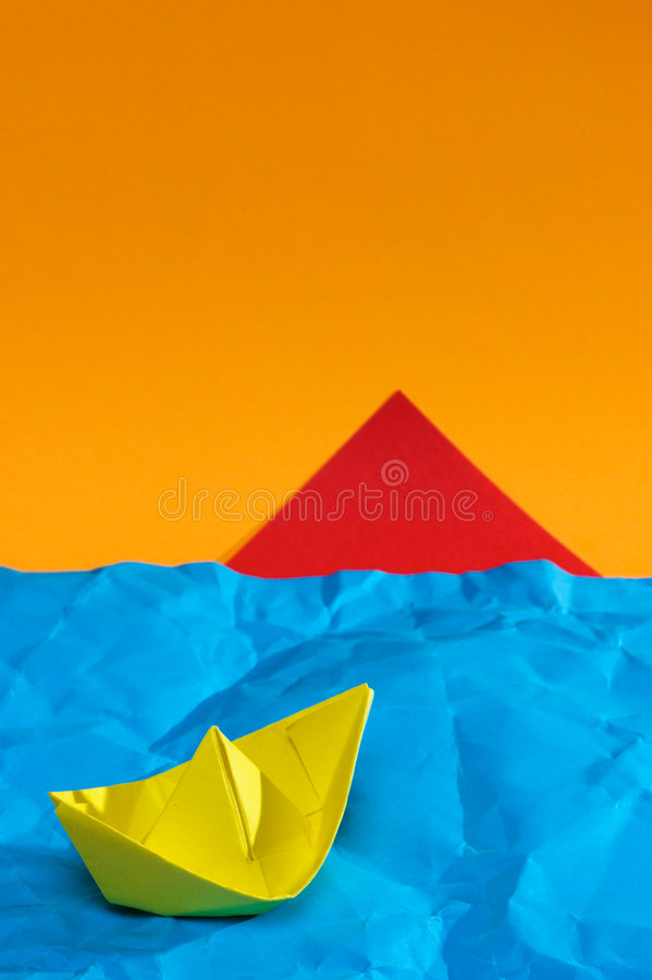 Free Yellow Ship From A Paper Royalty Free Stock Images - 5707349