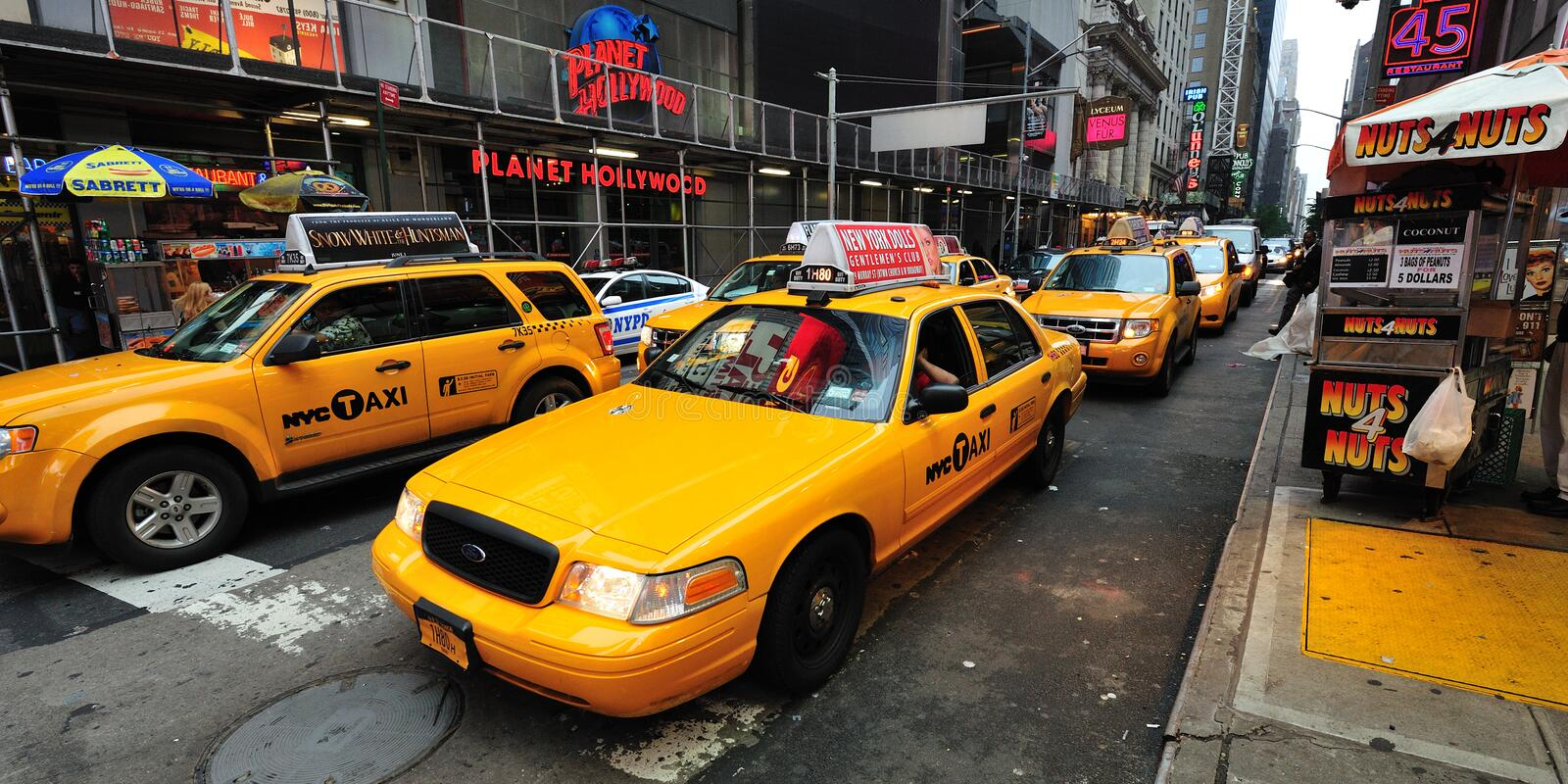 Download Yellow Taxicab Before Times Square Editorial Photography - Image: 25512972