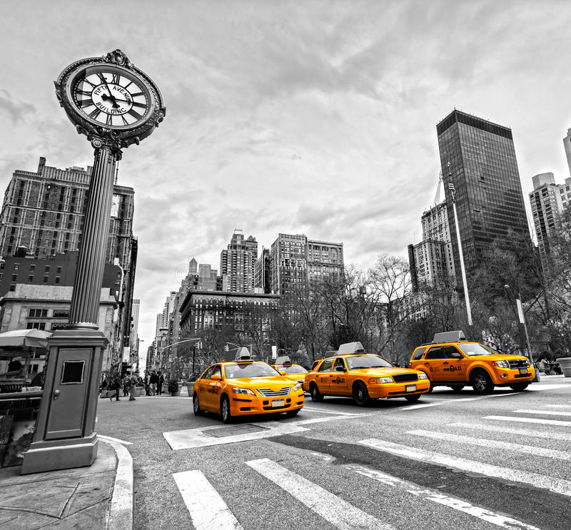 Free Yellow Taxis On 5th Avenue, New York City, USA. Stock Image - 35224691