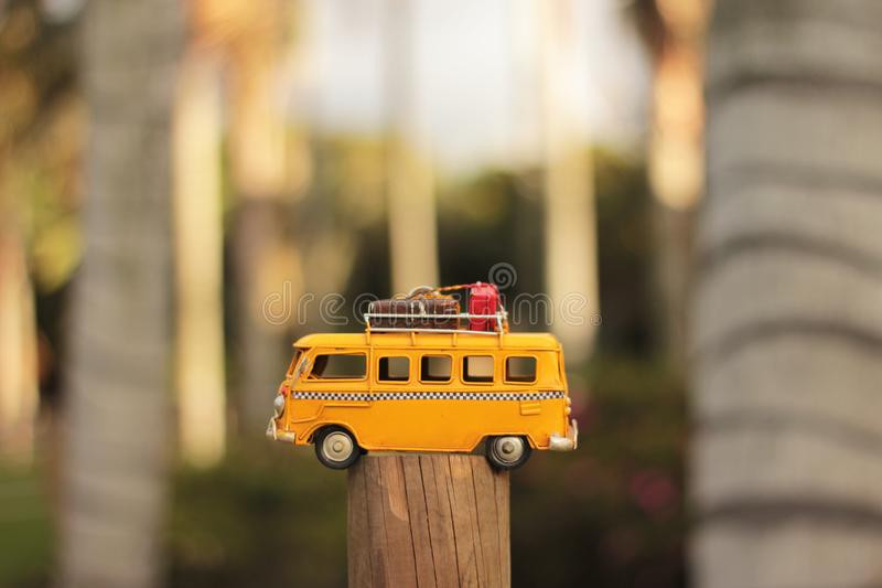 Yellow Van Die-cast-Modell stockfotografie