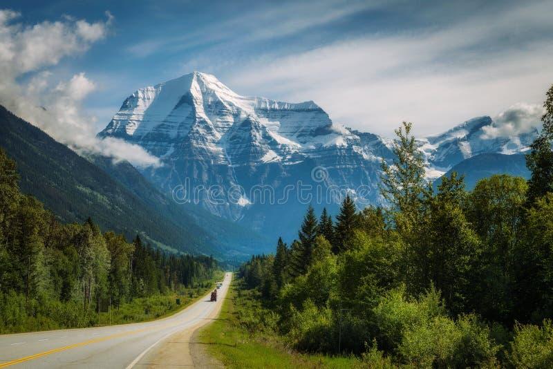 Yellowhead autostrada w Mt Robson prowincjonału park, Kanada fotografia royalty free