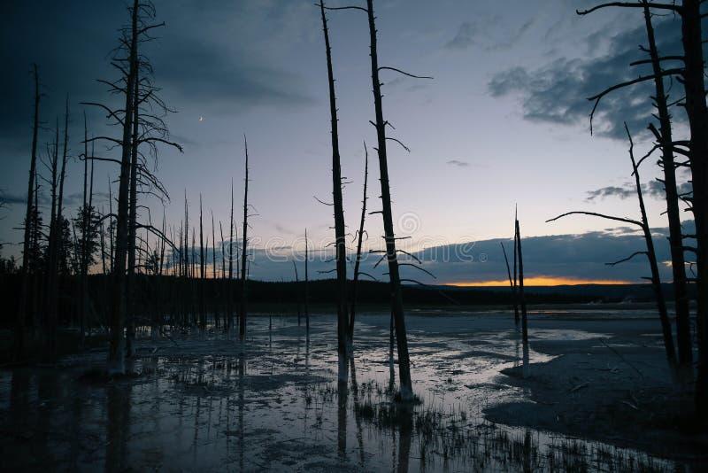 Yellowstone Artist& x27 ηλιοβασίλεμα του s Paintpot στοκ φωτογραφίες
