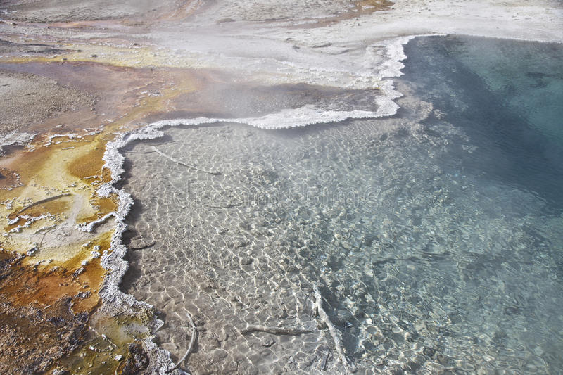 Yellowstone estaciona los resortes calientes coloridos foto de archivo libre de regalías