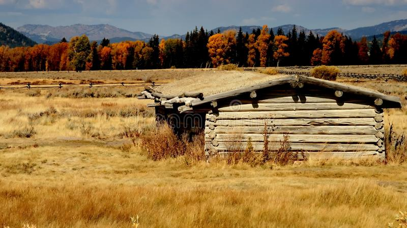 Download Yellowstone Old West Log Cabin Stock Image - Image: 25368663