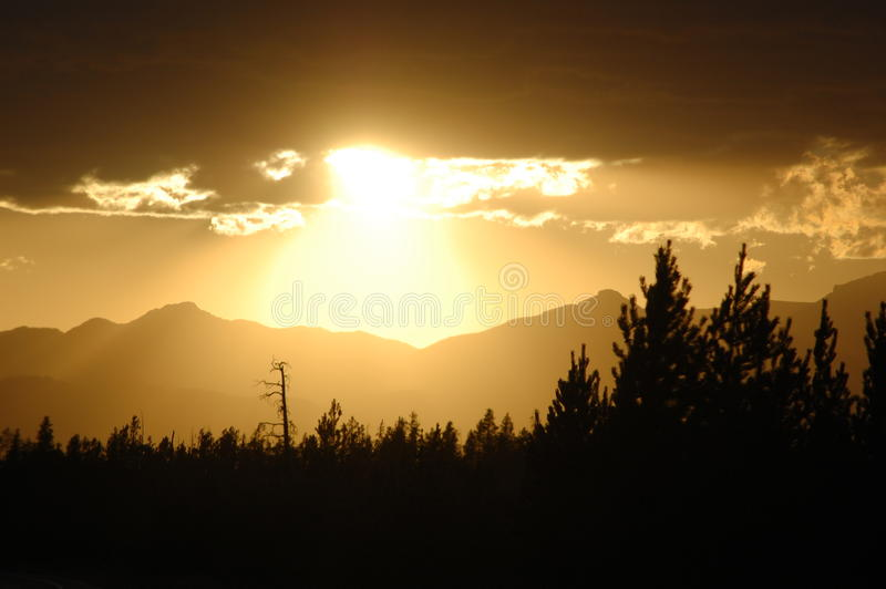 Yellowstone-Sonnenuntergang stockbild