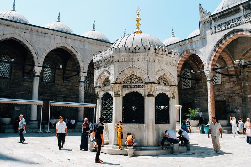 Yeni Mosque em Istambul, Turquia fotos de stock