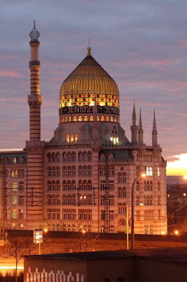 Download Yenidze на сумраке стоковое фото. изображение насчитывающей ноча - 33729076