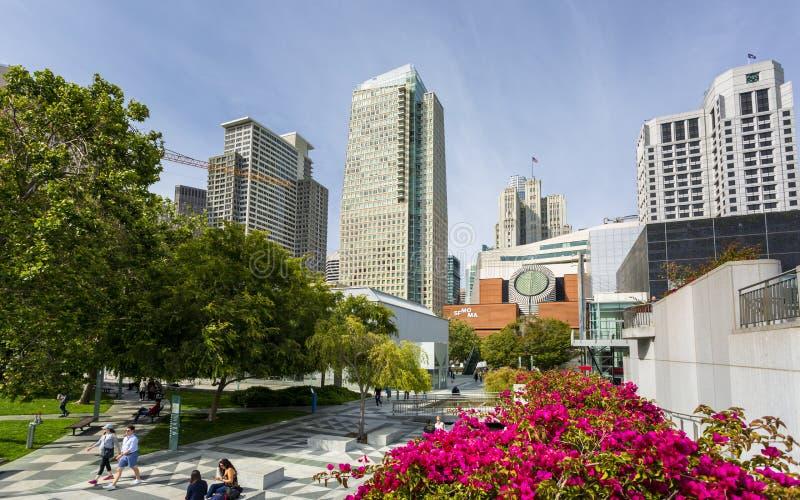 Yerba布埃尼亚庭院和旧金山现代艺术博物馆,加利福尼亚,美国,北美洲 免版税库存图片