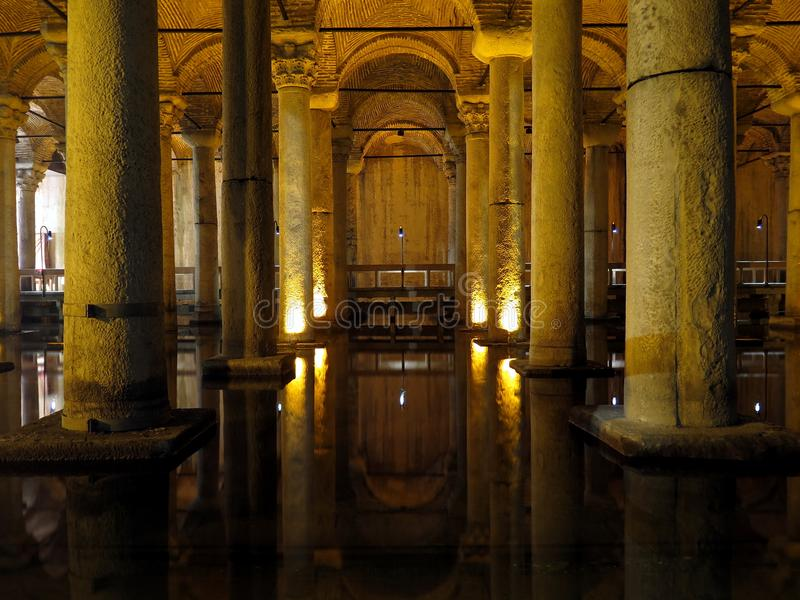 Yerebatan Sarayi, o reservatório da basílica em Istambul fotografia de stock