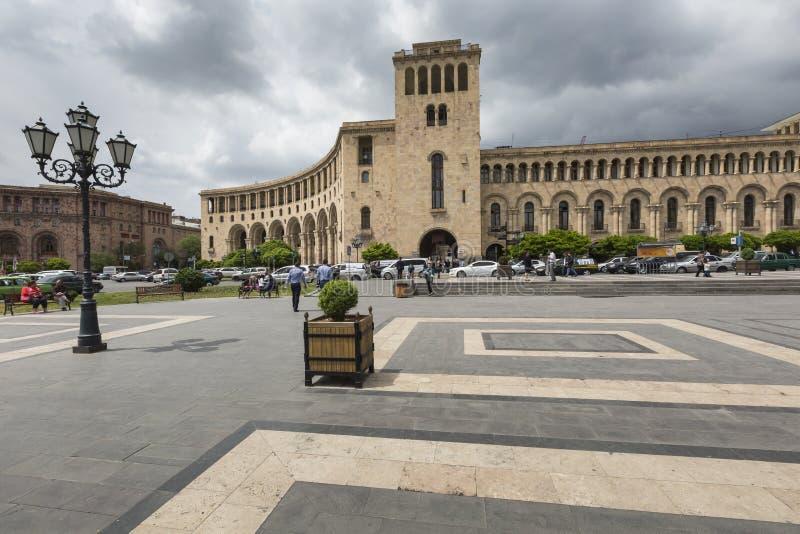 YEREVAN, ARMENIA 2 MAGGIO: Quadrato della Repubblica e Ministero di straniero fotografia stock libera da diritti
